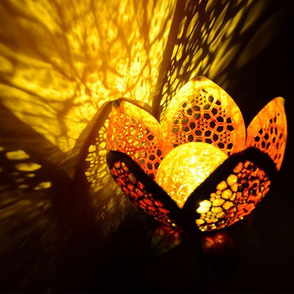 Solar Powered Flower Crackle Garden Light
