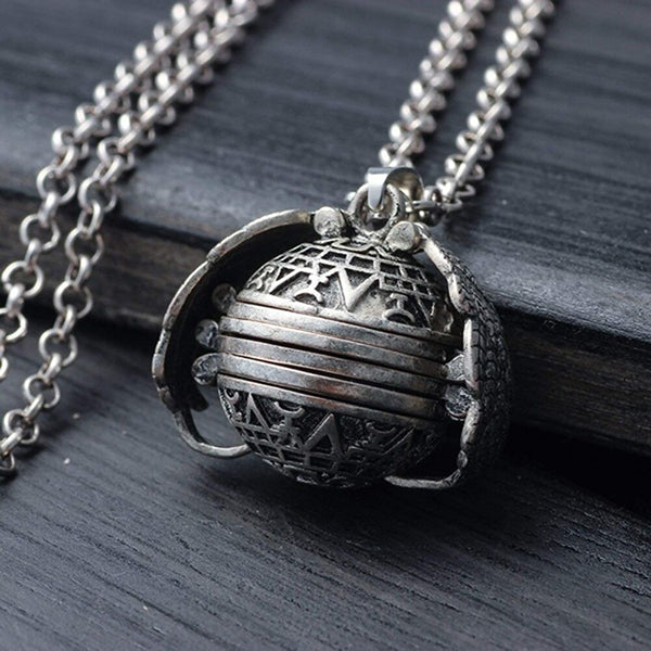 Creative Hollow Wing Necklace Photo Locket