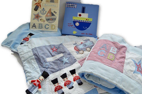Cot set (Duvet, cot bumper, soft toy, fitted sheet, wall hanging, stickers. - Learning steps