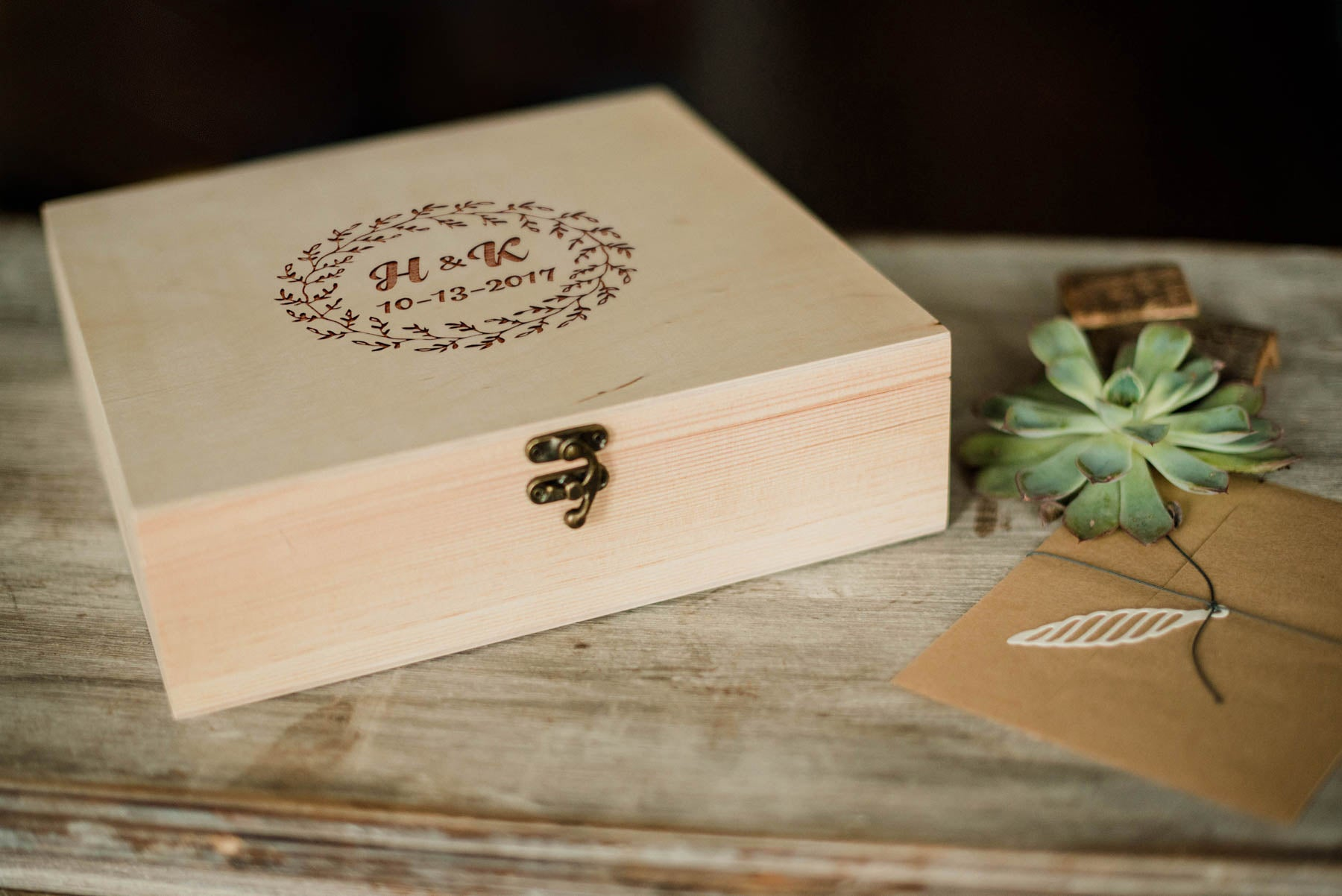 Custom Elegant Wood Jewelry Box    - GlobalWedding
