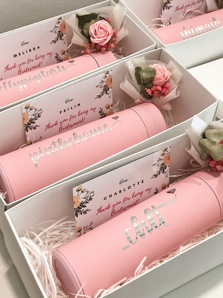 [4 - 8 Bridesmaids Package FREE 1 for Bride] : 450ml Vacuum Flask in White Box with Name