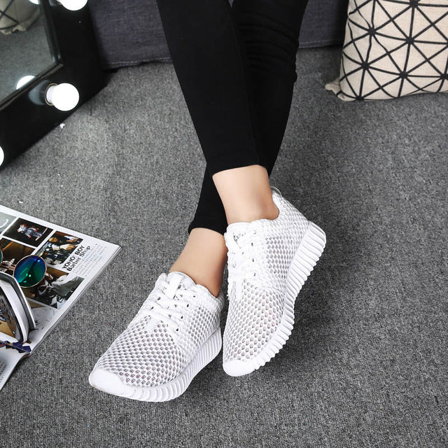 Somix New Women Sport Shoes 2017 Summer Style Mesh(Air mesh) Running Shoes for Women Comfortable Breathable White Sneakers Women