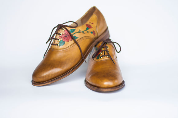 oxford shoes in brown with hand painted flowers