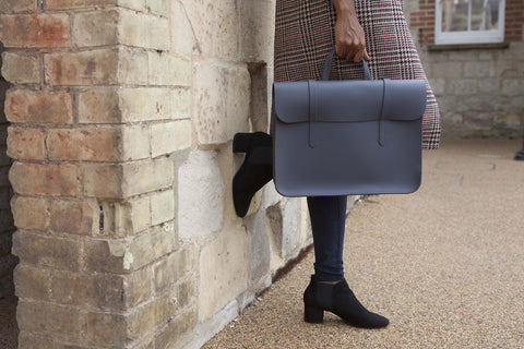 Womens- Cambridge Satchel Folio in Leather - Dapple Matte