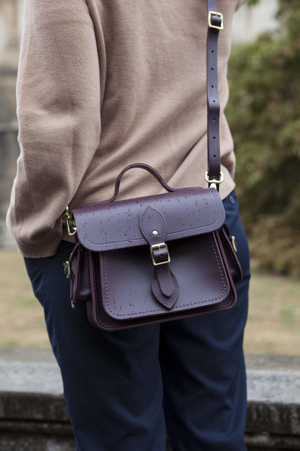 Womens- Cambridge Satchel Traveller Bag with Side Pockets in Leather - Juniper