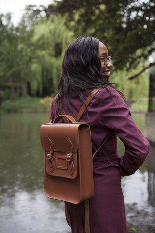Womens- Cambridge Satchel Portrait Backpack in Leather - Saddle
