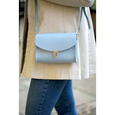 Push Lock in Leather - Periwinkle Blue