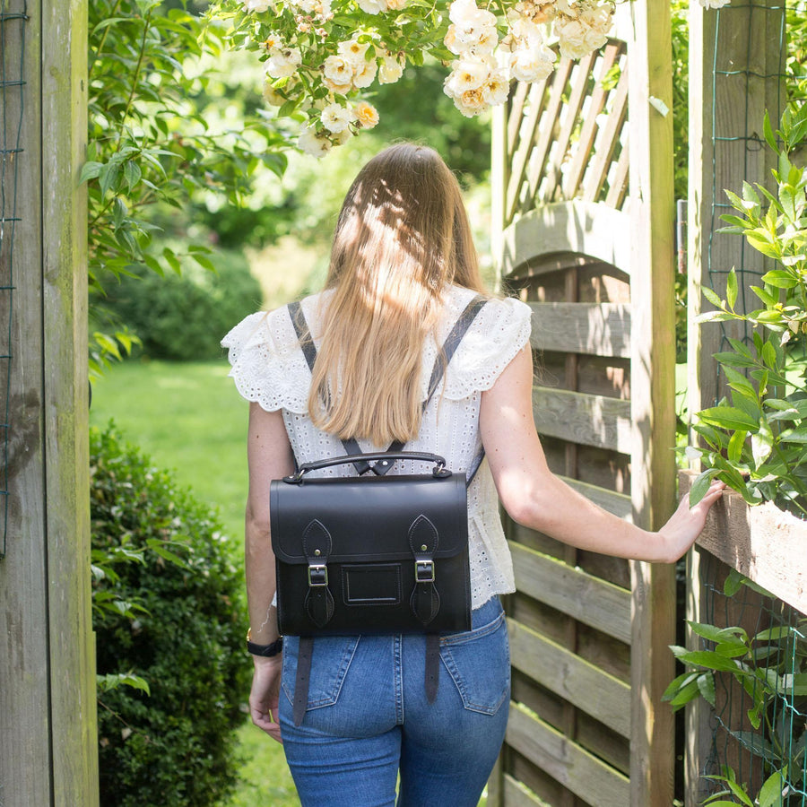 Womens-Barrel Backpack in Leather - Black