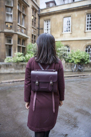 Womens- Barrel Backpack in Leather - Juniper