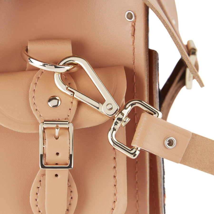 Traveller Bag with Side Pockets in Leather - Sand & Giraffe Haircalf