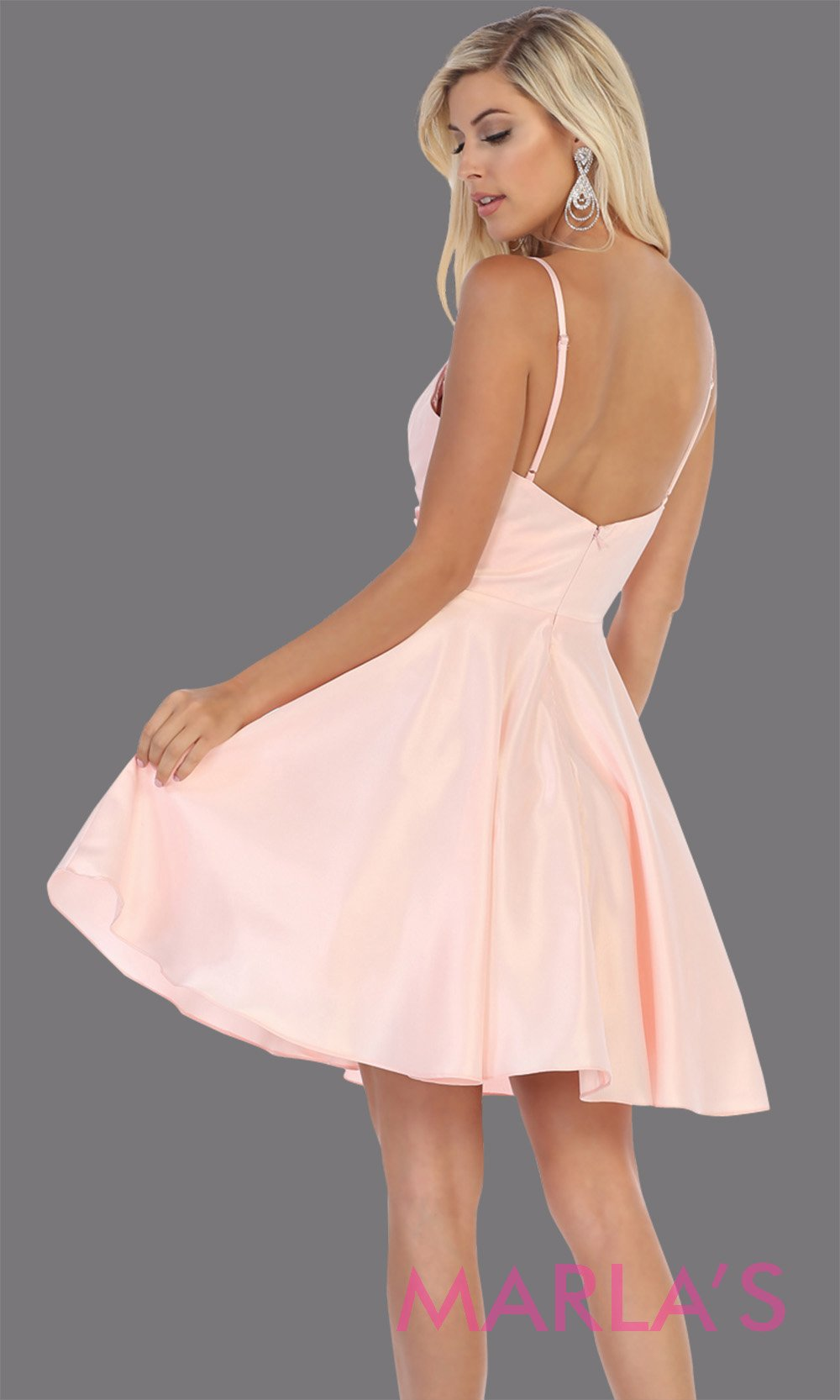 Back of Short v neck blush pink grade 8 graduation dress with flowy skirt from mayqueen.This light pink simple dress is perfect for plus size grad, homecoming, Bat Mitzvah, quinceanera damas,middle school graduation,bridal shower,junior bridesmaids