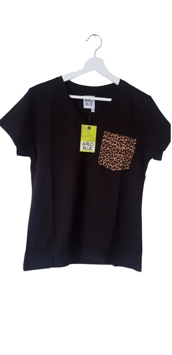 Leopard print pocket tee - V-Neck - Black