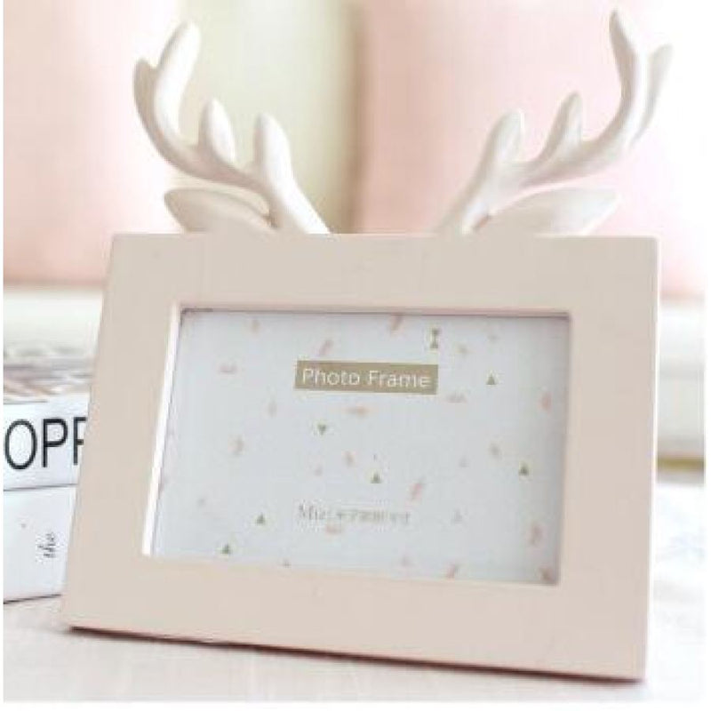 Head of Deer\' in Pink - Picture Frame - Resin on wood – DecorForLess.ca