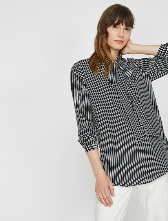 14831 black striped blouse