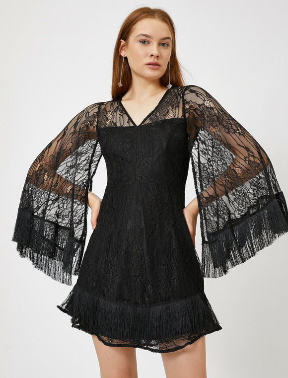 15167 black lace tassel dress