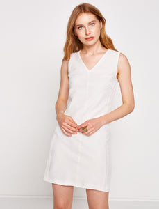 1212106 White Shift Dress