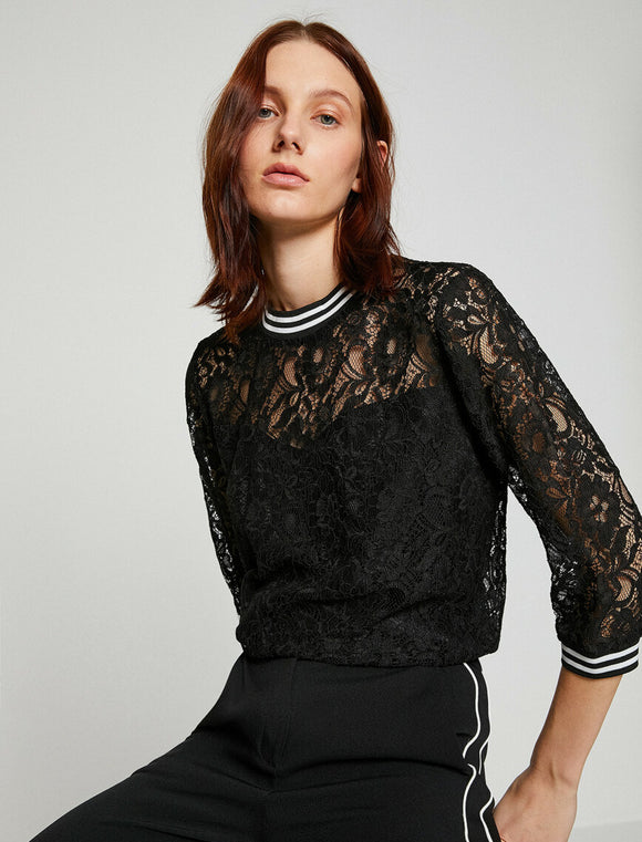 Lace Detailed T-Shirt Black