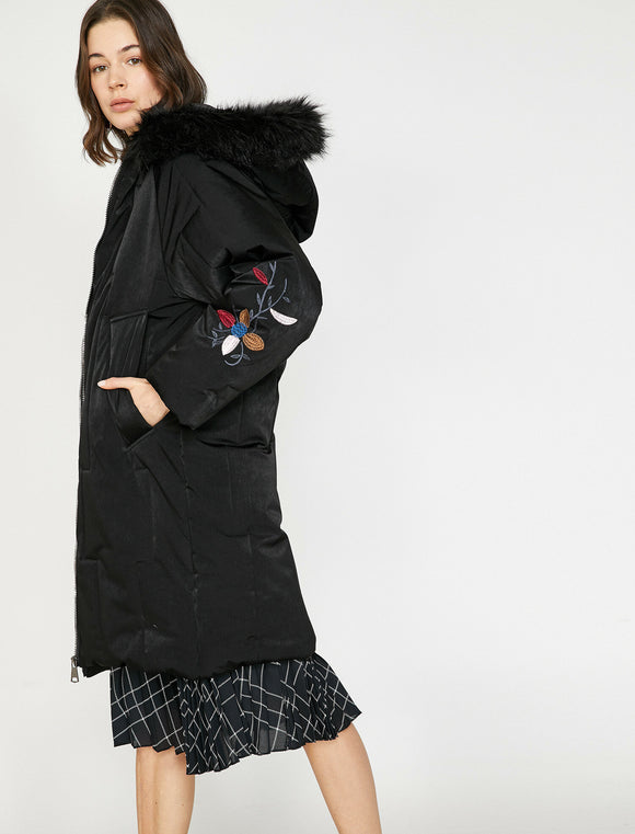 3494 Black Faux Fur Hooded Puffer Coat