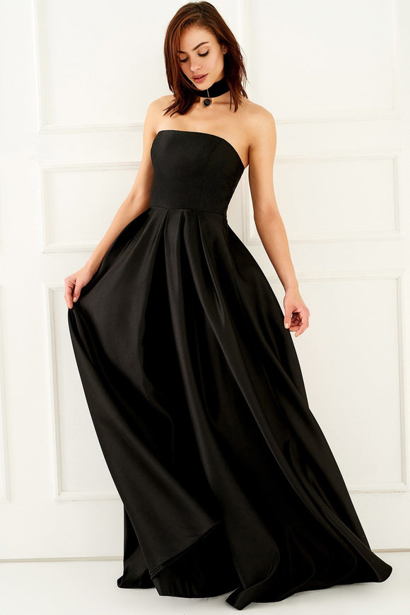 1310138 Black Strapless Gown