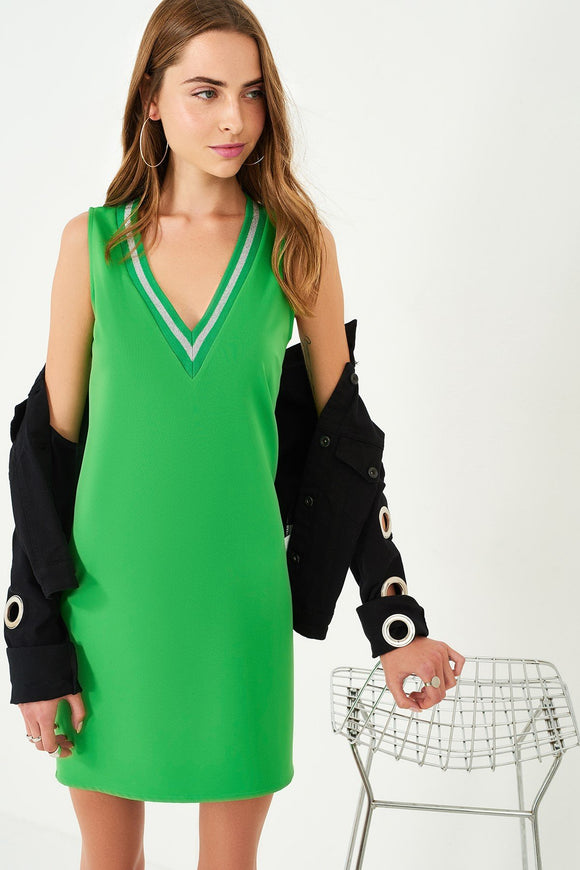 1210041 Green V-Neck Shift Dress