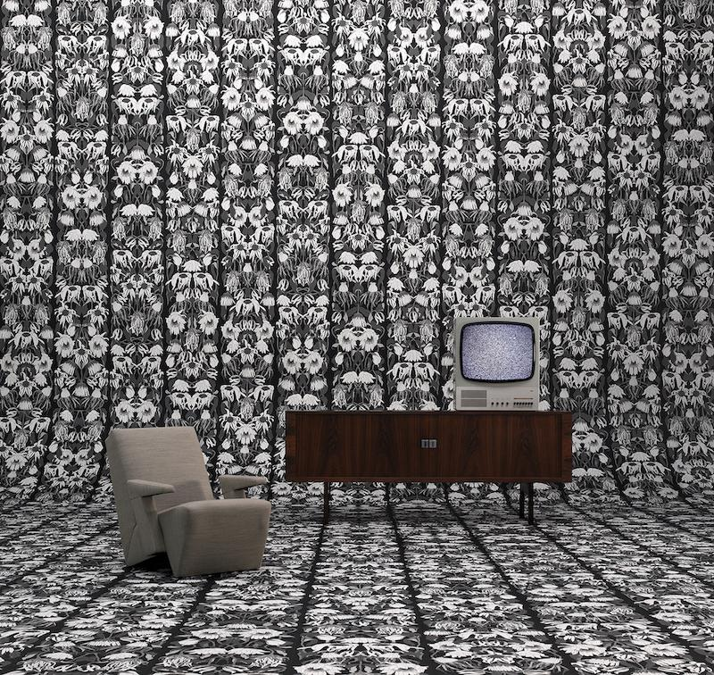 Wallpaper - Withered Flowers Black by Studio Job