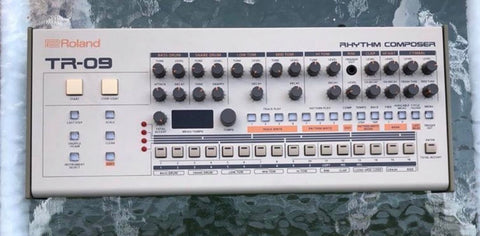 Roland Tr09 synth rhythm composer
