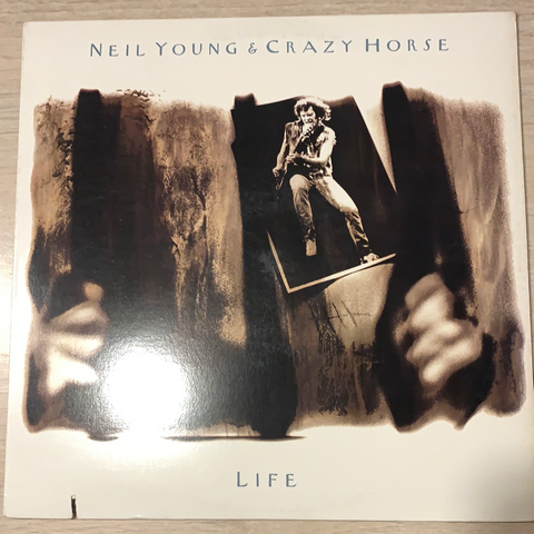 LP LIFE - NEIL YOUNG
