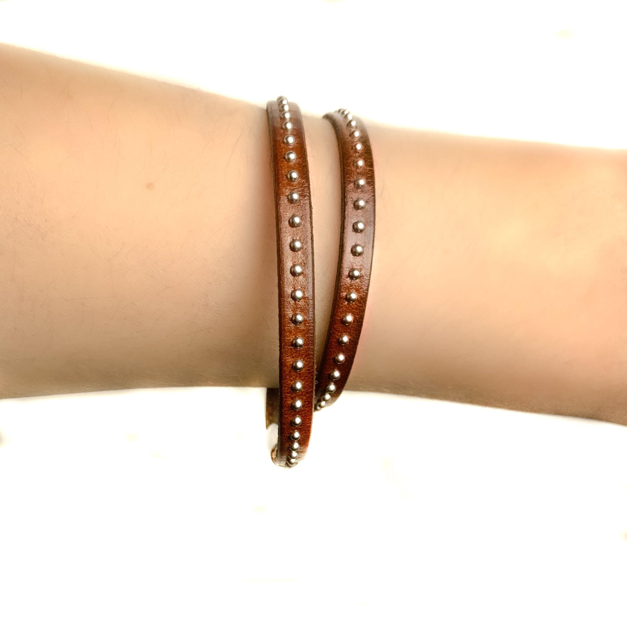 NAPPA LEATHER BRACELET WITH STUDS - 2 ROUND