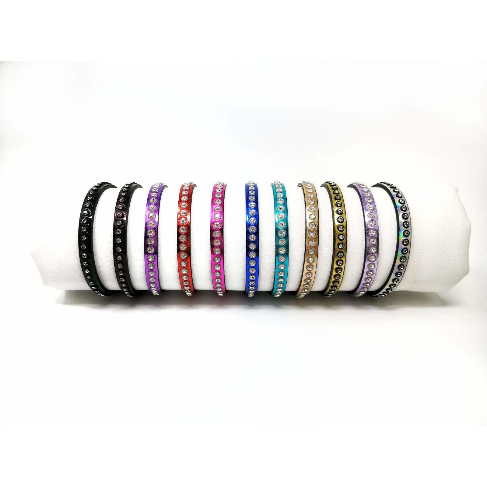Jennifer Tattanelli crafted in Florence these 1 round Nappa leather bracelets that come in many colors