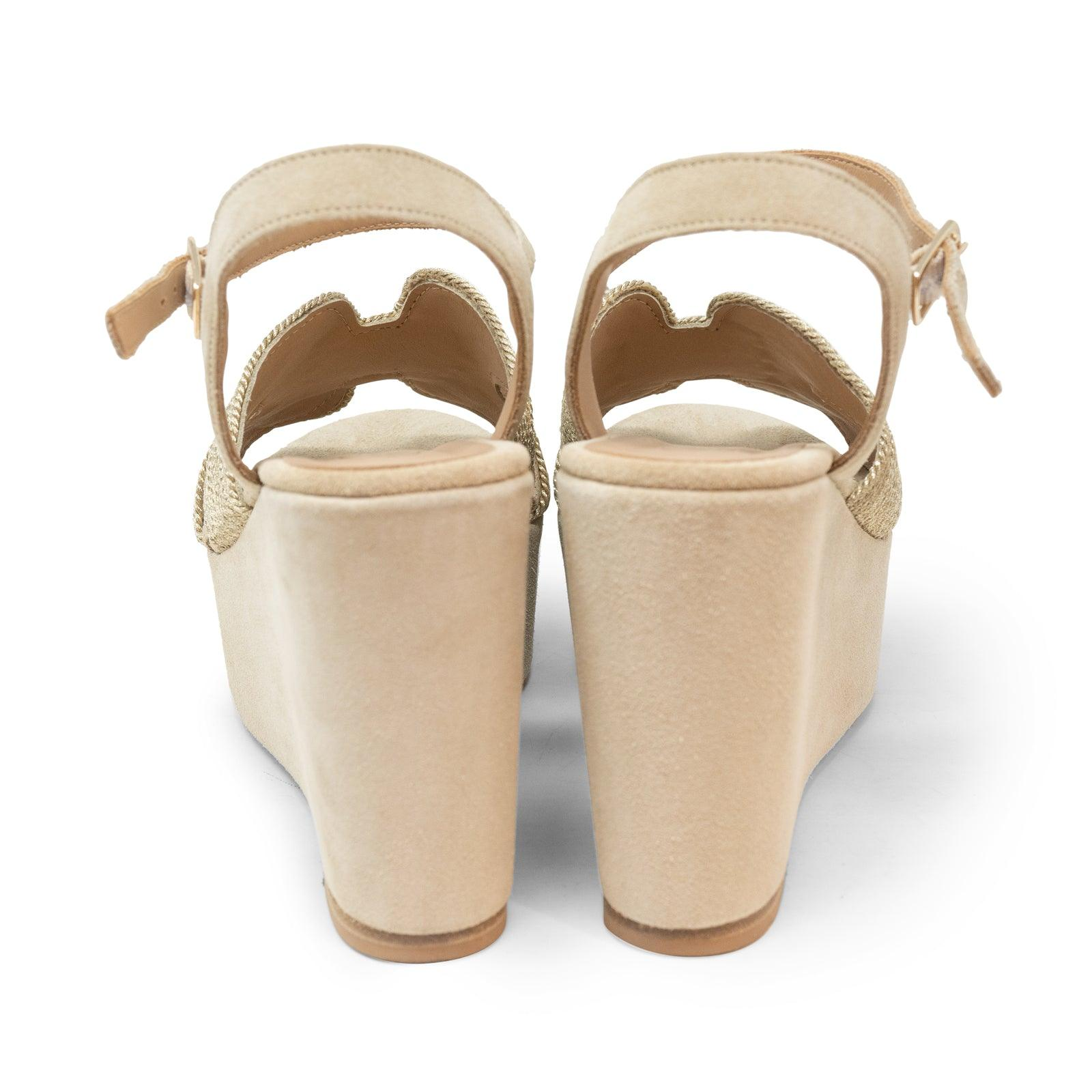 Women Suede Wedge Sandals in Sabbia