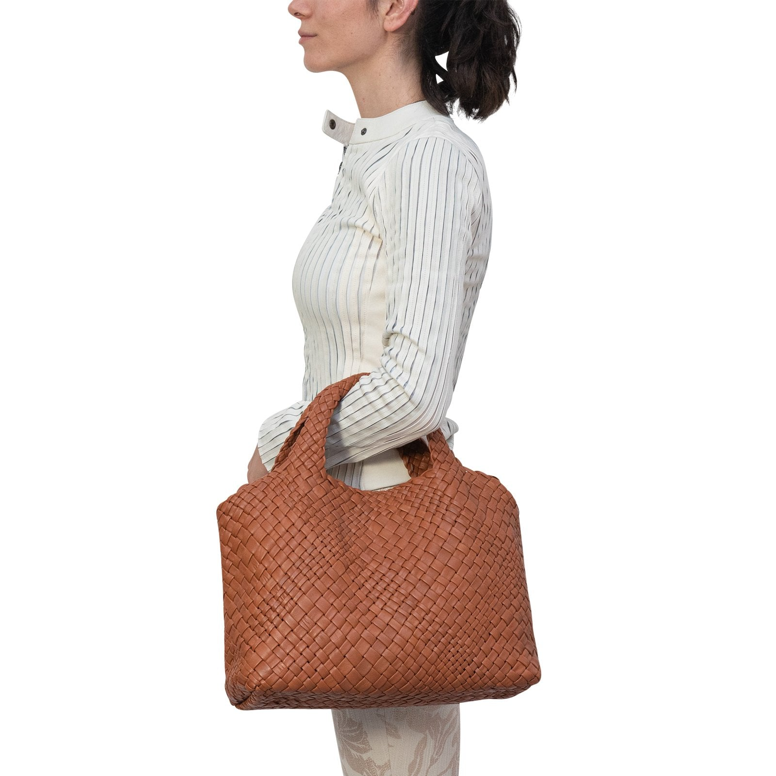 Women Intrecciato Optical Medium Hobo-Tote in Cuoio - Jennifer Tattanelli