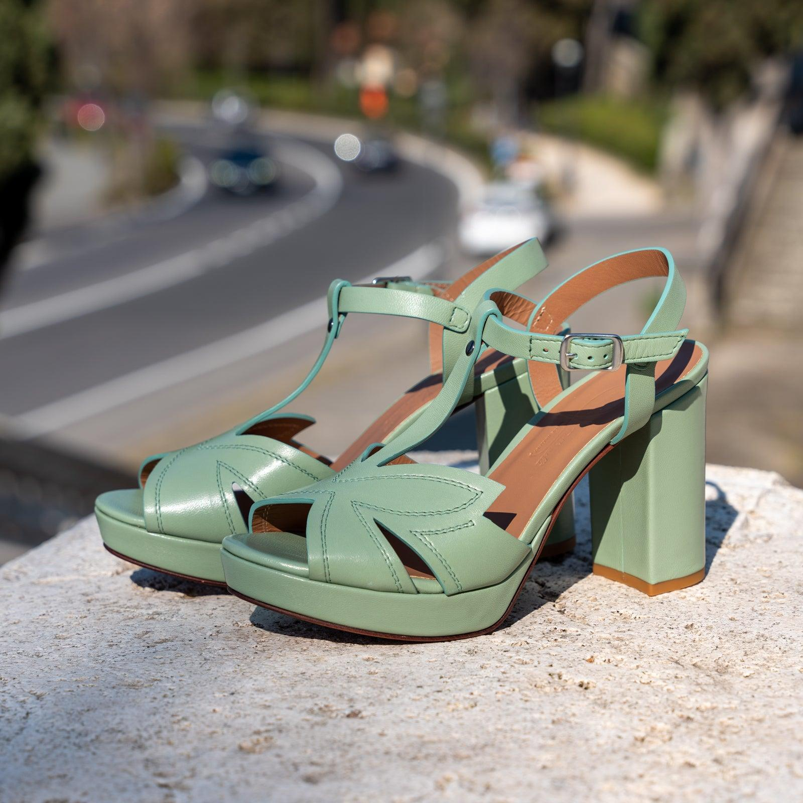 Women's Buffered Leather Platform Sandals in Giglio