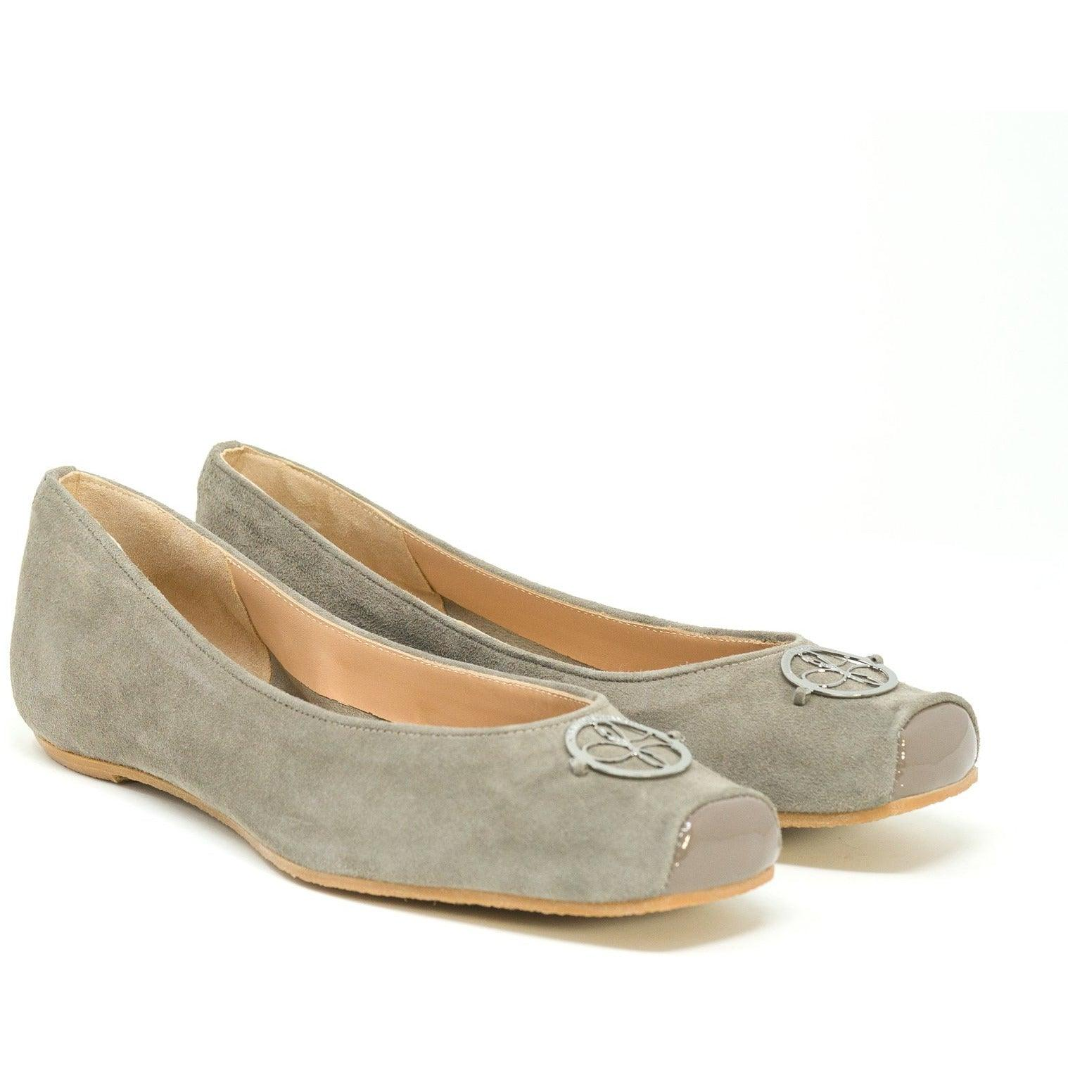Women Ballerina Shoes with hidden heel in Taupe