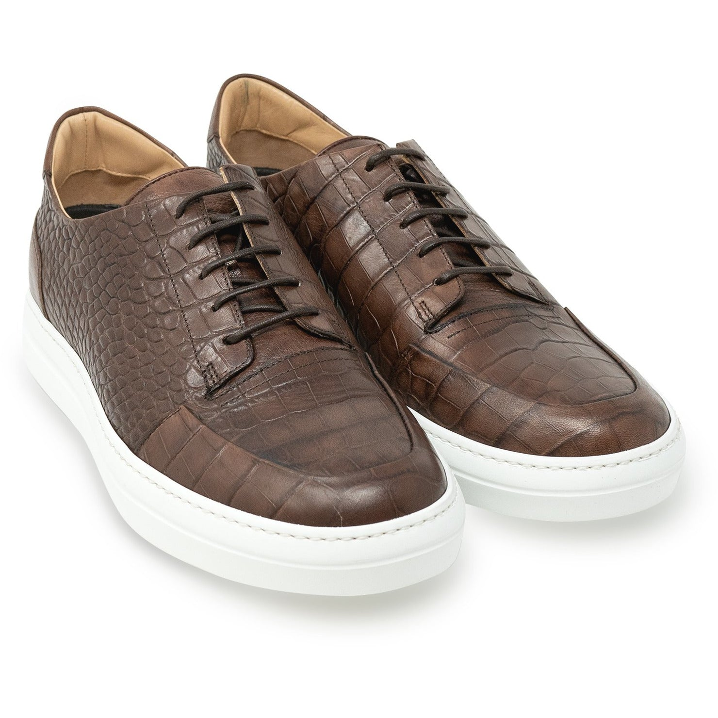 Men Lace Up Sneakers in Brown