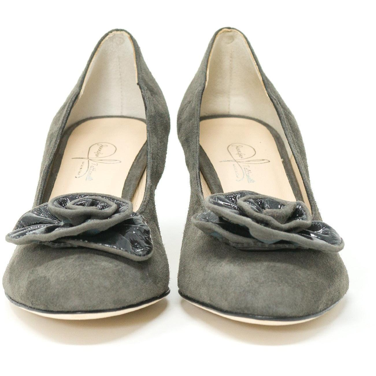 Women's Round Toe Leather Pumps in Grey