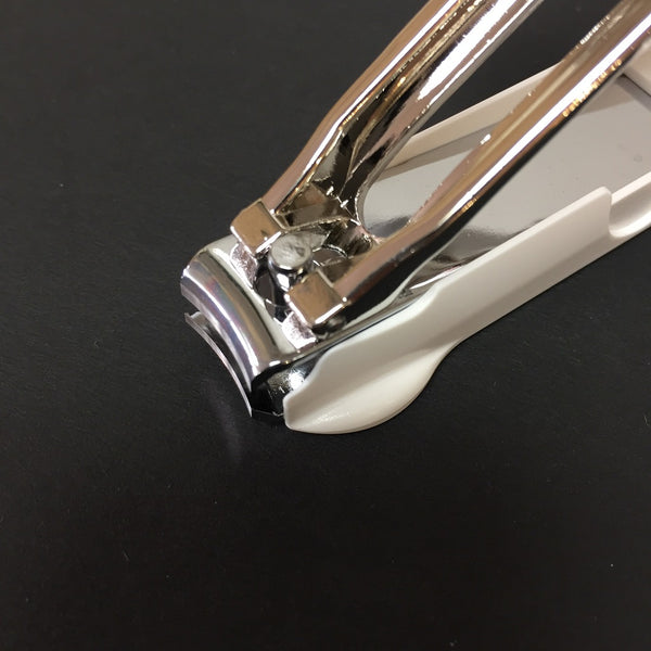 STAINLESS STEEL NAIL CLIPPER WITH MAGNIFYING GLASS -TAKUMI NO WAZA