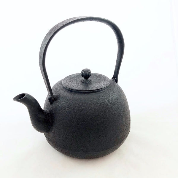 TETSUBIN-CAST IRON KETTLE / NEW MIKUMARI