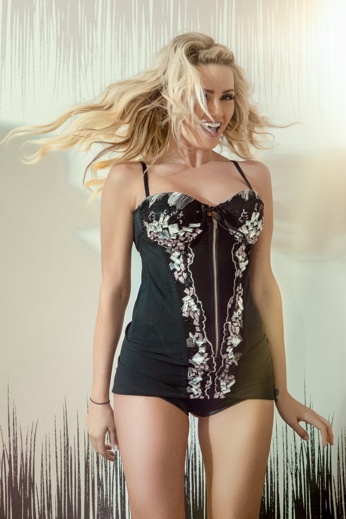 CORSET SLIP WITH EMBROIDERY | COCKTAIL