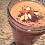 Pre-workout smoothie with almonds