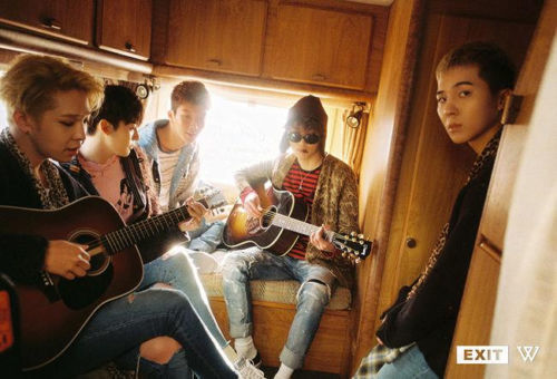 위너 WINNER  -  1ST MINI ALBUM [EXIT : E] POSTER ONLY