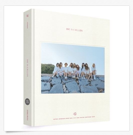 트와이스TWICE 1ST PHOTOBOOK ONE IN A MILLION