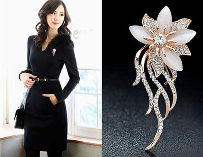 Fashionable Opal Stone Flower Brooch