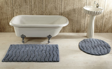 Indulgence Bath Rug Silver Grey in Room