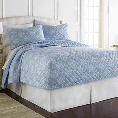 Micro Flannel® Toile Wedgewood Fitted Quilt Mini Set