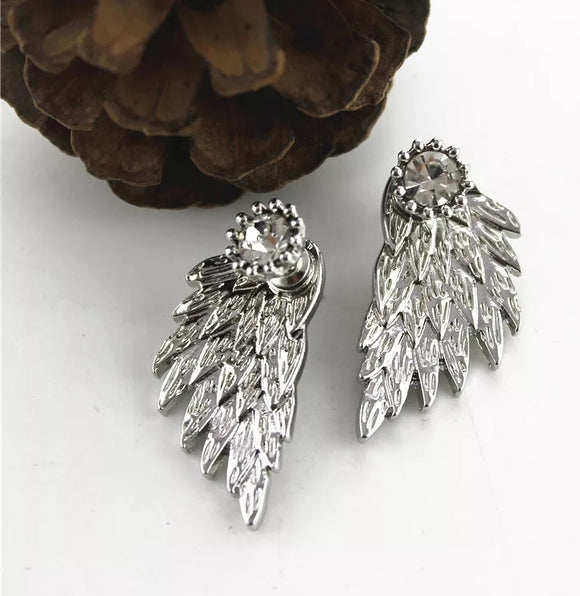 Angel wing double studs
