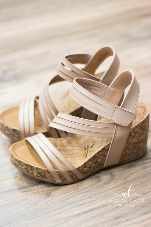 Blowfish Helm Wedges (Blush)