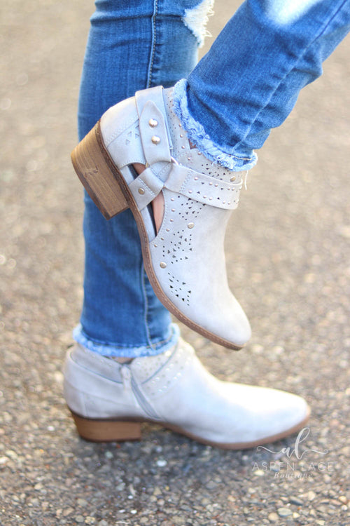 *Final Sale* Not Rated DeeDee Booties (Grey)