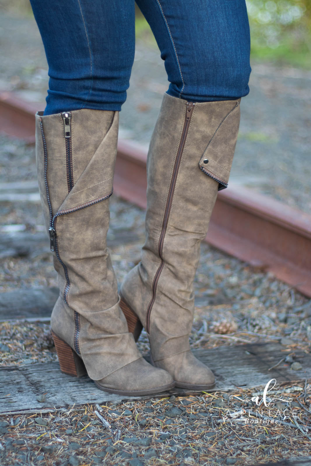 Not Rated Valda Boots (Taupe)