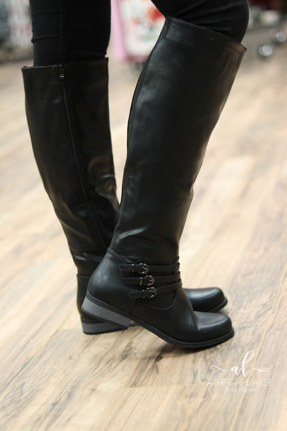 *Final Sale* Suzie Buckle Boots (Black)