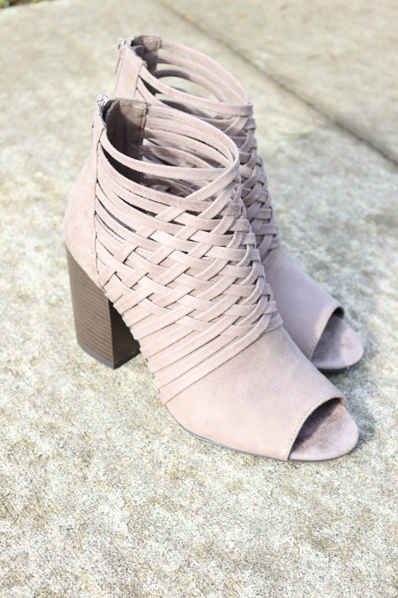 *Final Sale* City Days Peep Toe Booties (Doe)